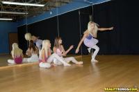 http://t3.pixhost.org/show/2921/15378015_breanne-pick2.jpg